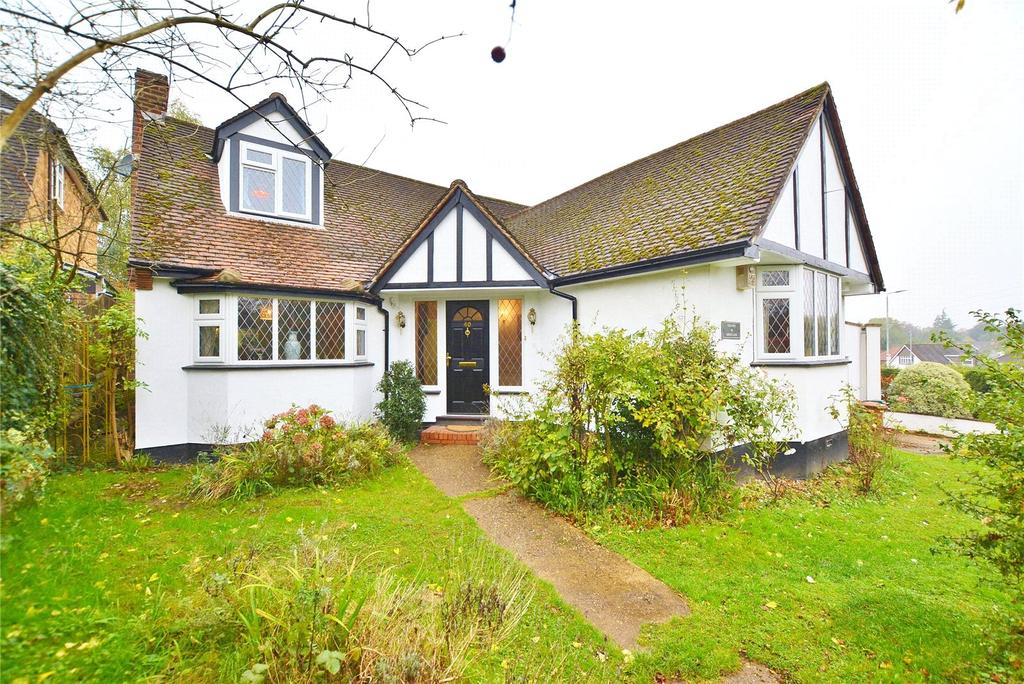 4 Bedrooms Detached House for sale in Green Lane, Watford, Hertfordshire, WD19