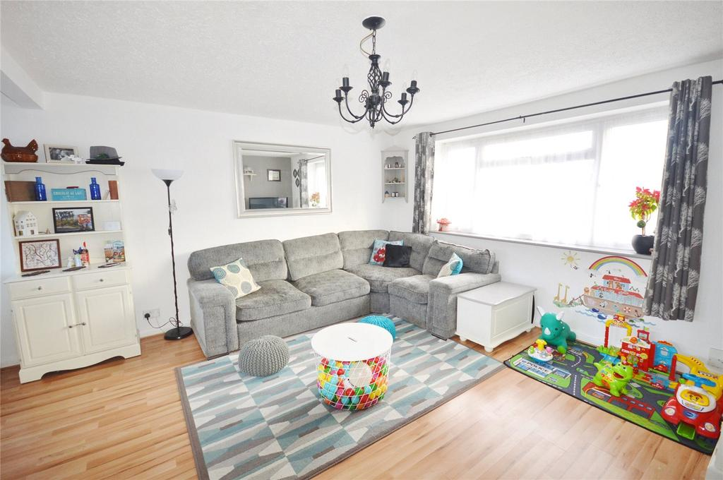 2 Bedrooms Apartment Flat for sale in Heronslea, Watford, Hertfordshire, WD25