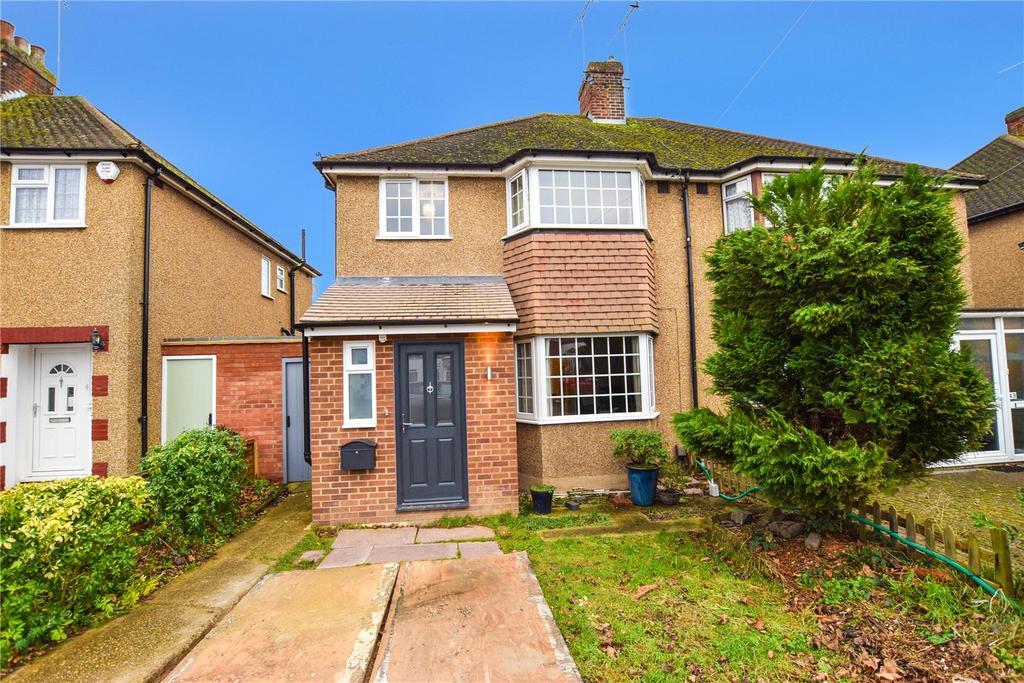 3 Bedrooms Semi Detached House for sale in Hillingdon Road, Watford, Hertfordshire, WD25