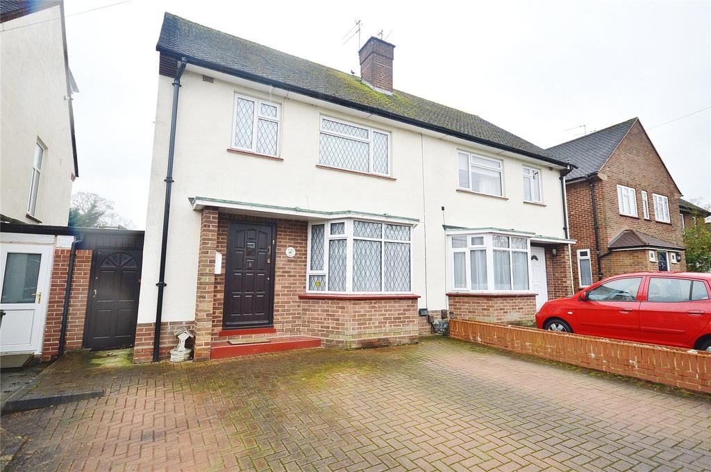 3 Bedrooms Semi Detached House for sale in Gaddesden Crescent, Watford, Hertfordshire, WD25