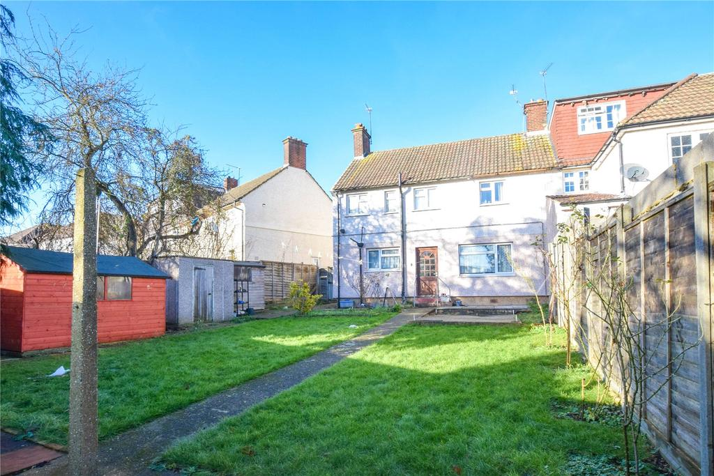 3 Bedrooms Semi Detached House for sale in Woodside, Watford, Hertfordshire, WD24