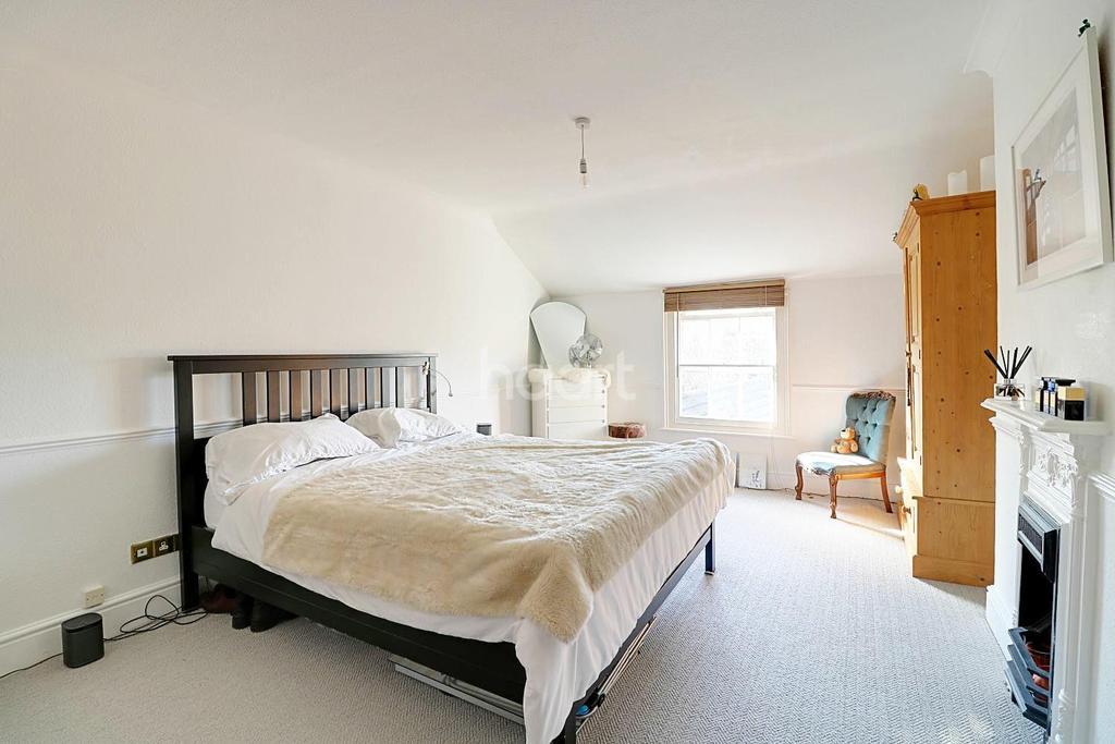 2 Bedrooms Flat for sale in Linden Road, Bedford