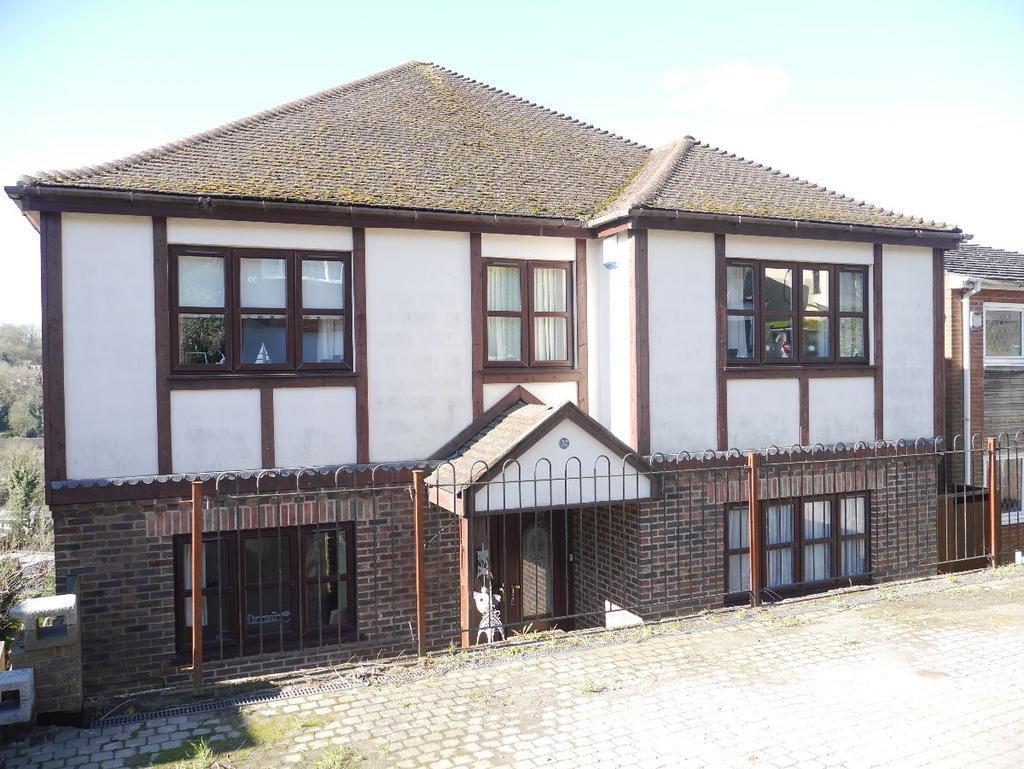4 Bedrooms Detached House for rent in Biggin Hill