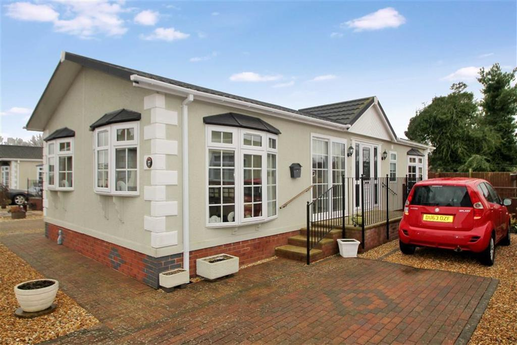 2 Bedrooms Detached Bungalow for sale in Hawkestone Park, Oswestry