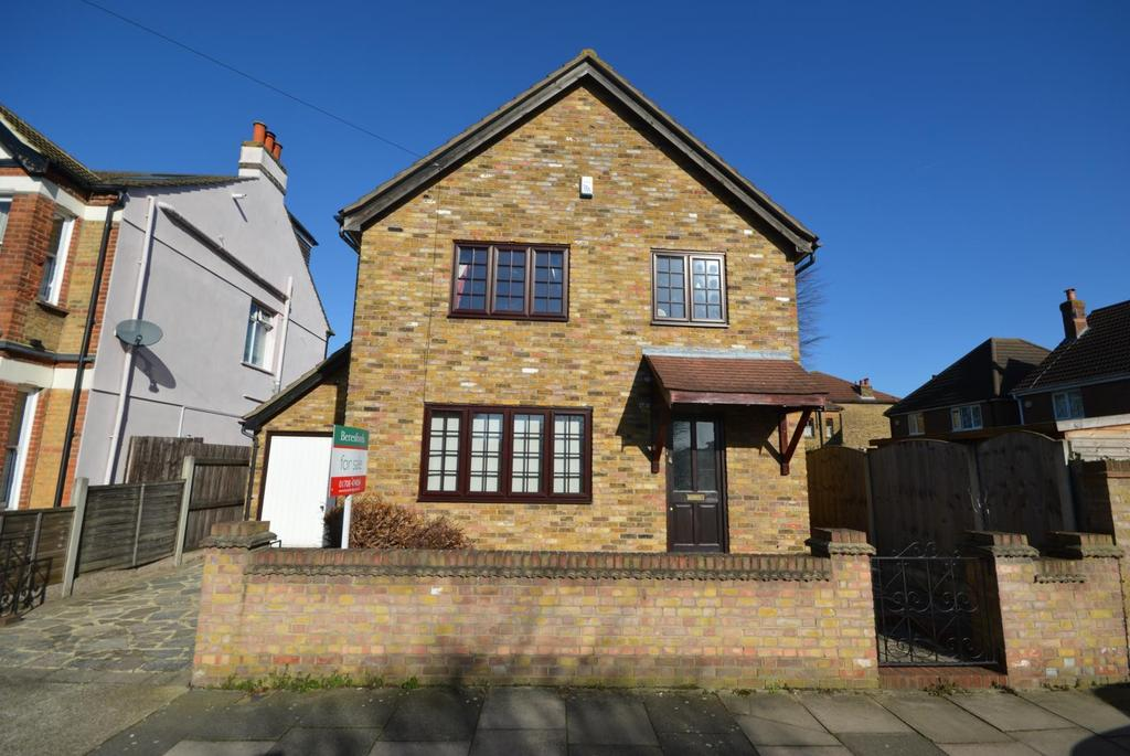 3 Bedrooms Detached House for sale in Devonshire Road, Hornchurch, Essex, RM12
