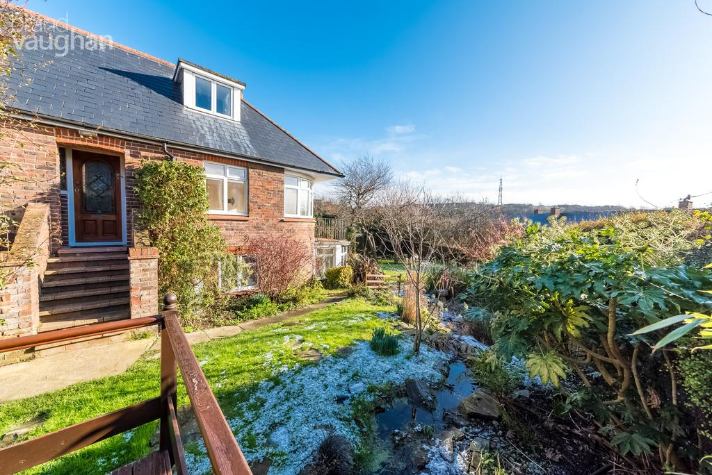 4 Bedrooms Chalet House for rent in Freshfield Road, Brighton, BN2