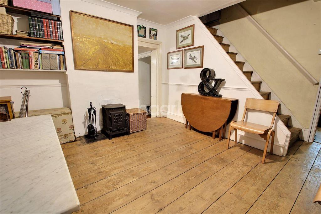 3 Bedrooms Detached House for sale in New Town, Colchester