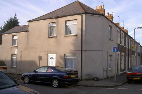 4 bedroom house to rent - Letty Streeet