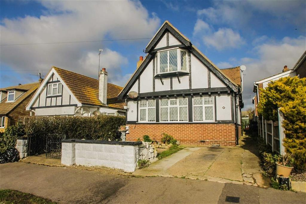 3 Bedrooms Detached House for sale in Park Square West, Clacton-on-Sea