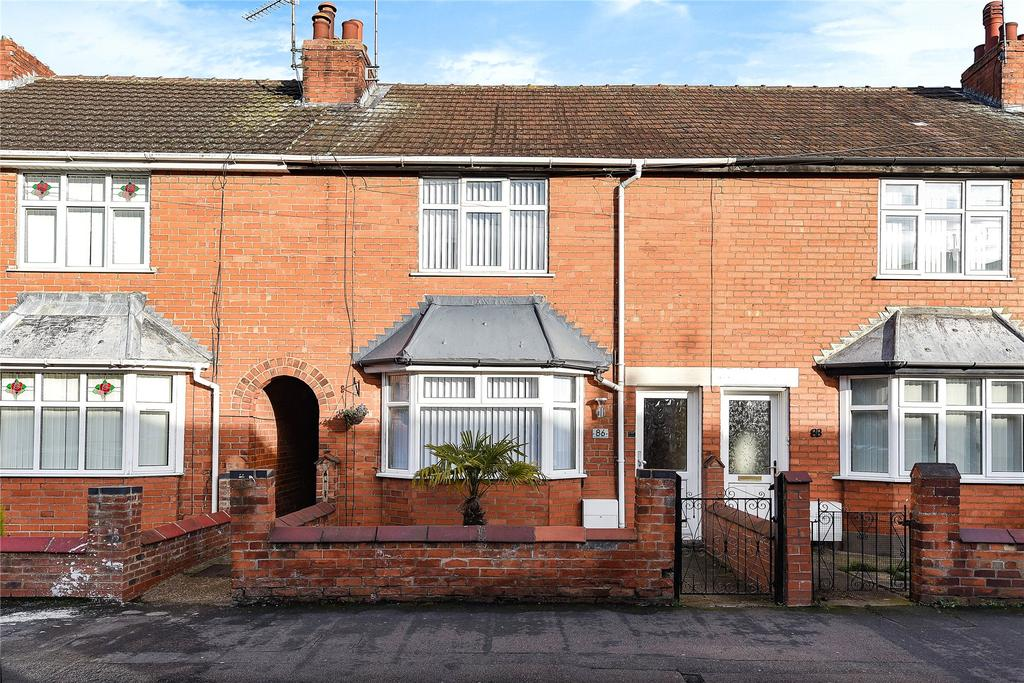 2 Bedrooms Terraced House for sale in Huntingtower Road, Grantham, NG31