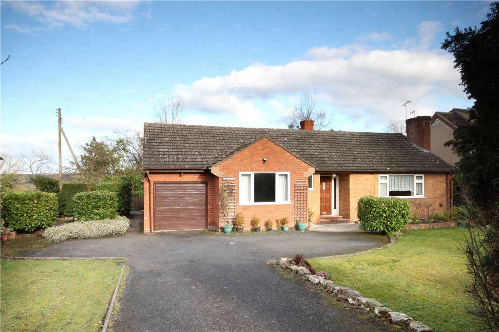 2 Bedrooms Detached Bungalow for sale in Cleobury Road, Far Forest, Kidderminster, DY14
