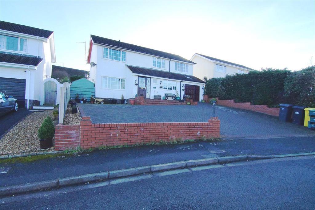 4 Bedrooms Detached House for sale in Ffordd Triban, Upper Colwyn Bay