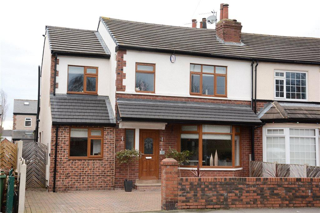 4 Bedrooms Semi Detached House for sale in Knightsway, Leeds, West Yorkshire