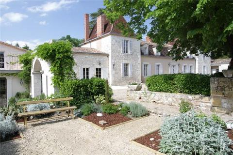 11 bedroom house  - Country Chateau, Eymet Area, Dordogne, France