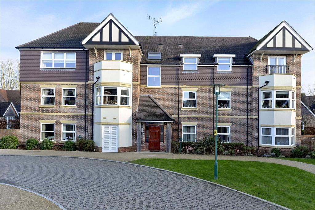 2 Bedrooms Retirement Property for sale in 6 Parham House, 15 King George's Drive, Liphook, Hampshire, GU30