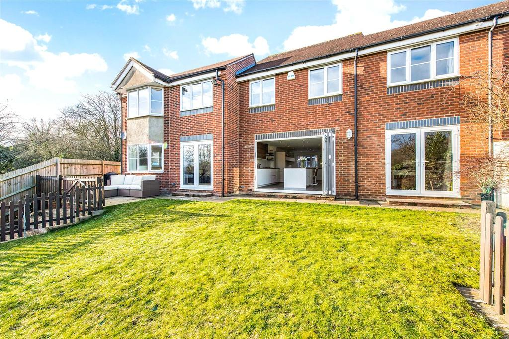 4 Bedrooms Link Detached House for sale in Orient Close, St. Albans, Hertfordshire, AL1