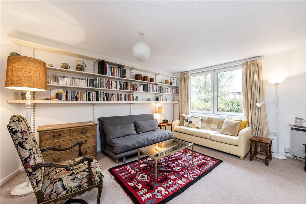 Studio Flat for sale in St. Quintin Gardens, North Kensington, London, W10