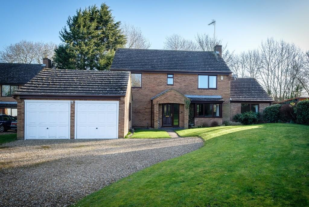 4 Bedrooms Detached House for sale in The Woodlands, Silverstone