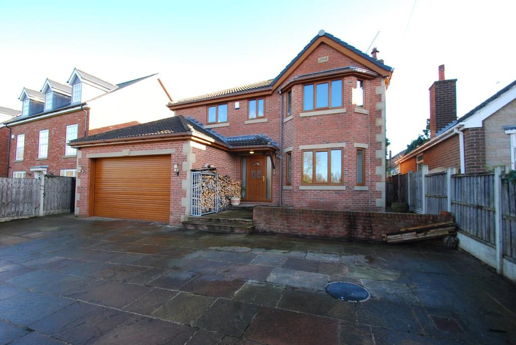 4 Bedrooms Detached House for sale in Summer Lane, Royston S71