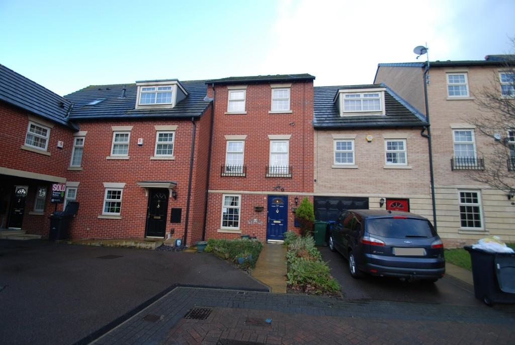 4 Bedrooms Town House for sale in Great Stubbings, Wombwell S73