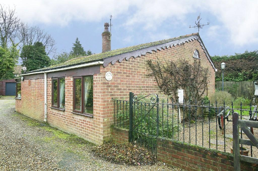 4 Bedrooms Detached Bungalow for sale in South Green, Dereham