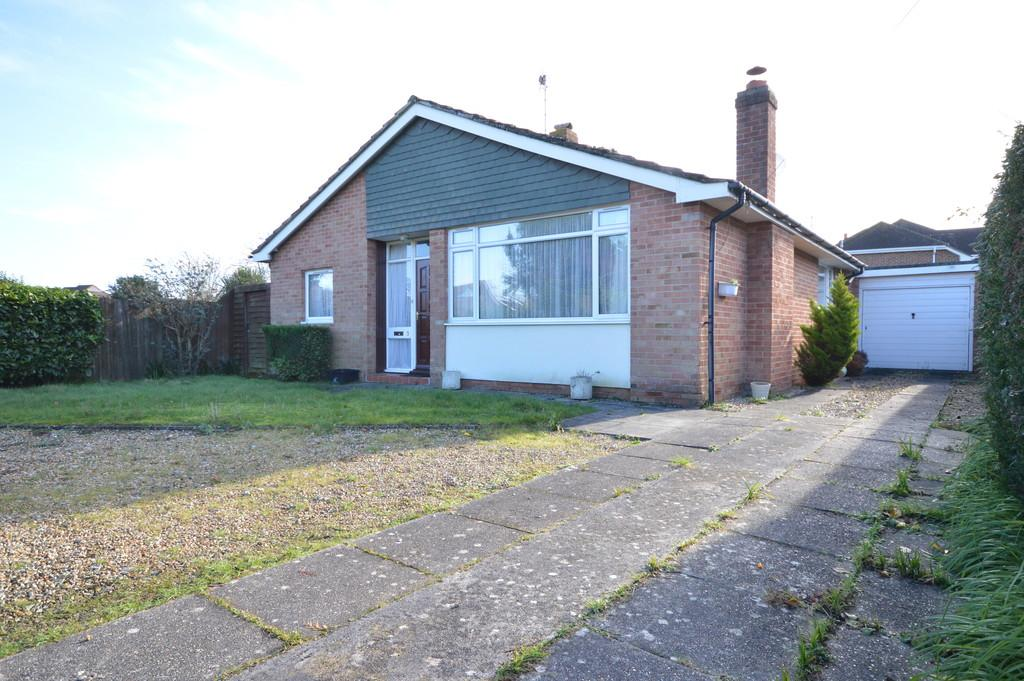 3 Bedrooms Detached Bungalow for sale in Branksome Close, New Milton