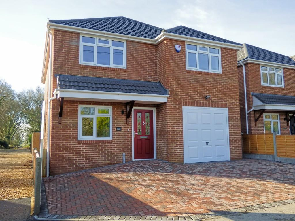 4 Bedrooms Detached House for sale in Eldons Drove, Lytchett Matravers