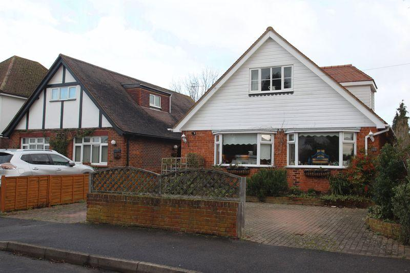 3 Bedrooms Detached House for sale in Hilden Park Road, Tonbridge