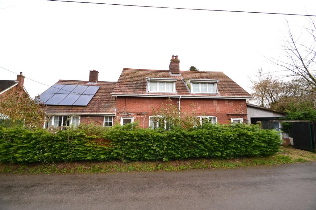 4 Bedrooms Cottage House for sale in Hawkes Lane, Bracon Ash