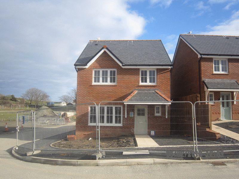 4 Bedrooms Detached House for sale in South Stack Road, Holyhead