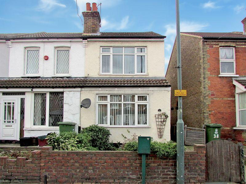 3 Bedrooms End Of Terrace House for sale in Bourne Road, Bexley