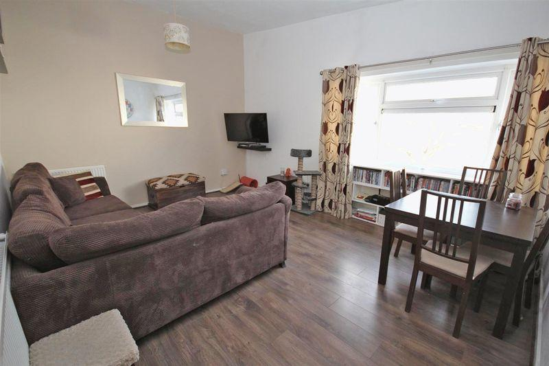 2 Bedrooms Apartment Flat for sale in Pennsylvania, Llanedeyrn