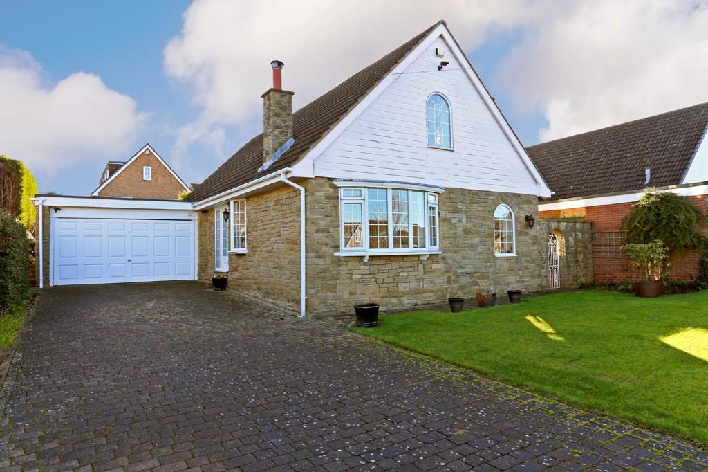 4 Bedrooms Detached House for sale in Pledwick Lane, Sandal