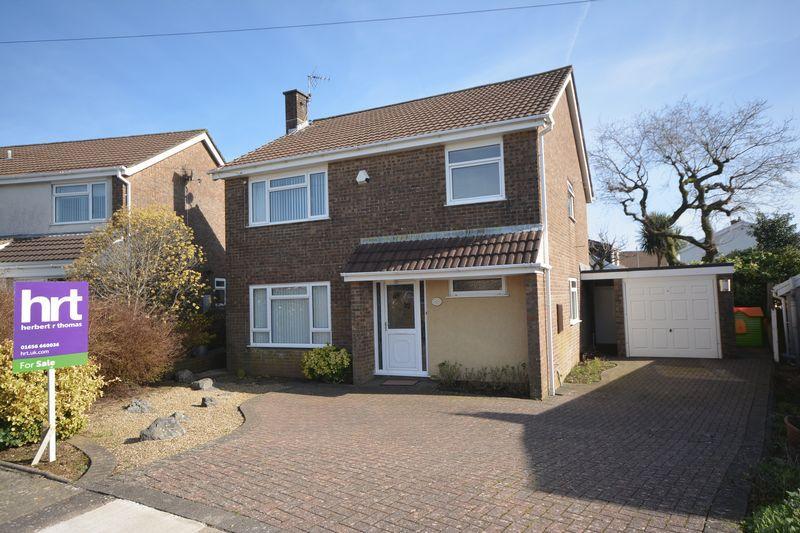4 Bedrooms Detached House for sale in 11 Gwalia Close, BRIDGEND, Mid Glamorgan