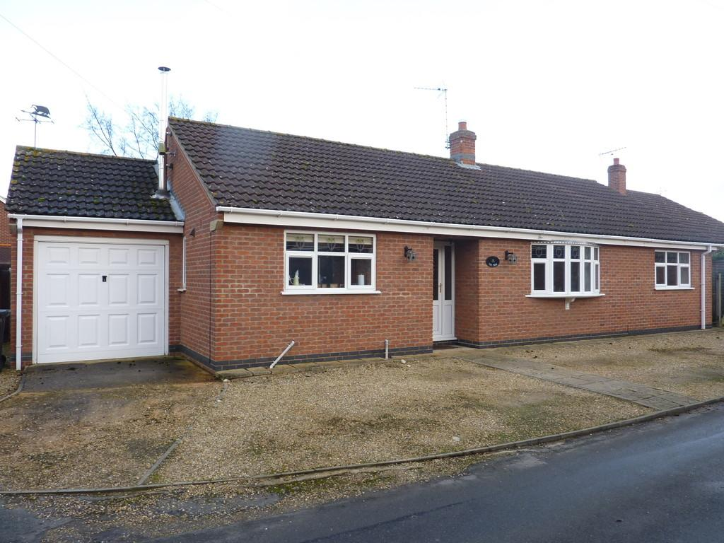 3 Bedrooms Detached Bungalow for sale in Church Street, Billingborough