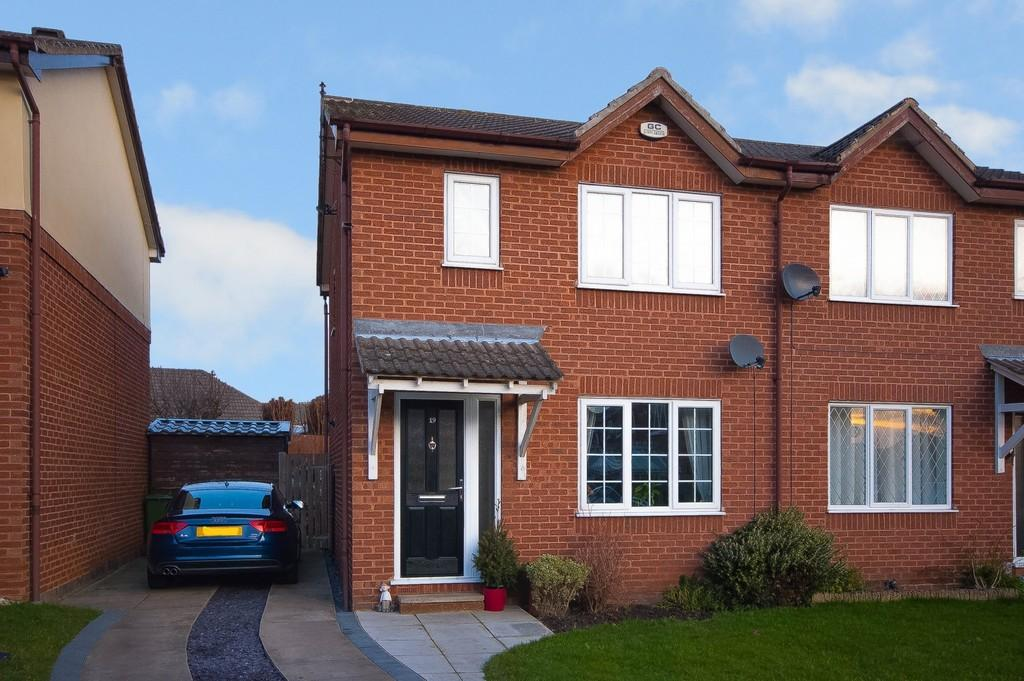 3 Bedrooms Semi Detached House for sale in Langdale Drive, Altofts