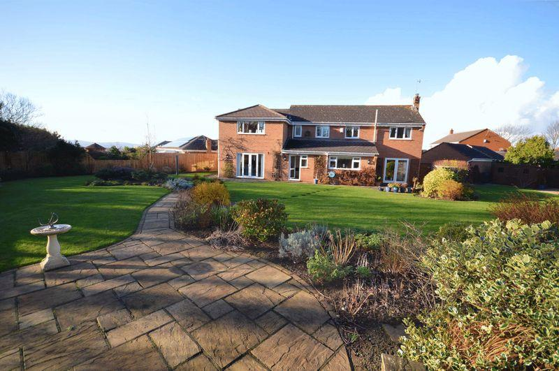 4 Bedrooms Detached House for sale in Shelley Way, West Kirby