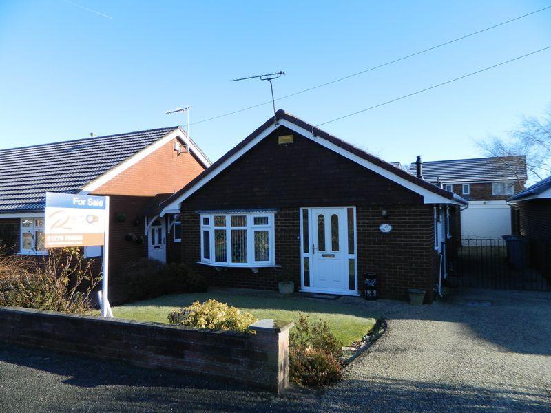 2 Bedrooms Detached Bungalow for sale in Dean Close, Sandbach