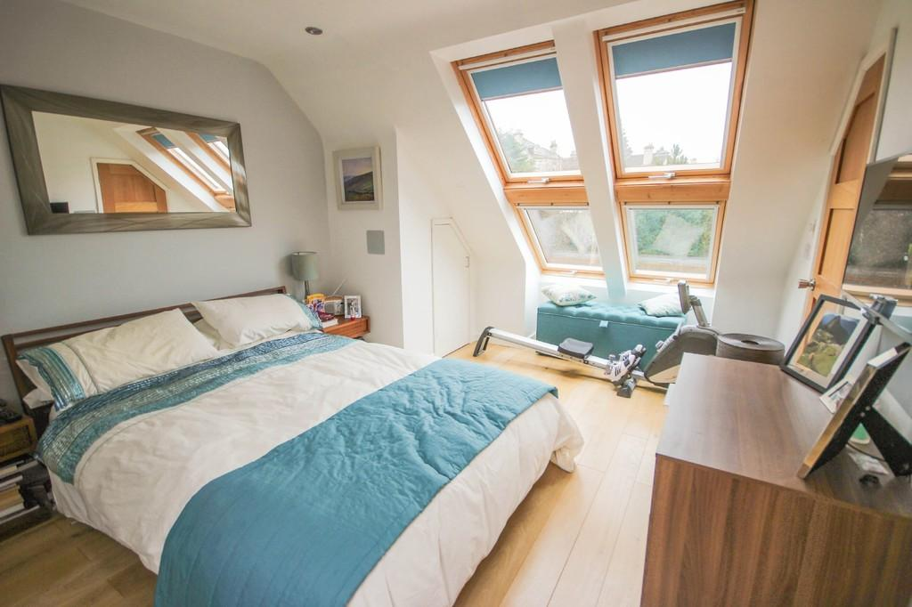 Attic Bedroom (with ensuite)