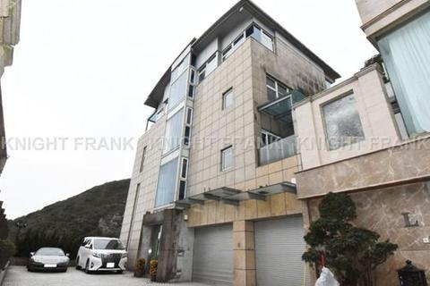 3 bedroom townhouse  - Mount Austin Road, The Peak