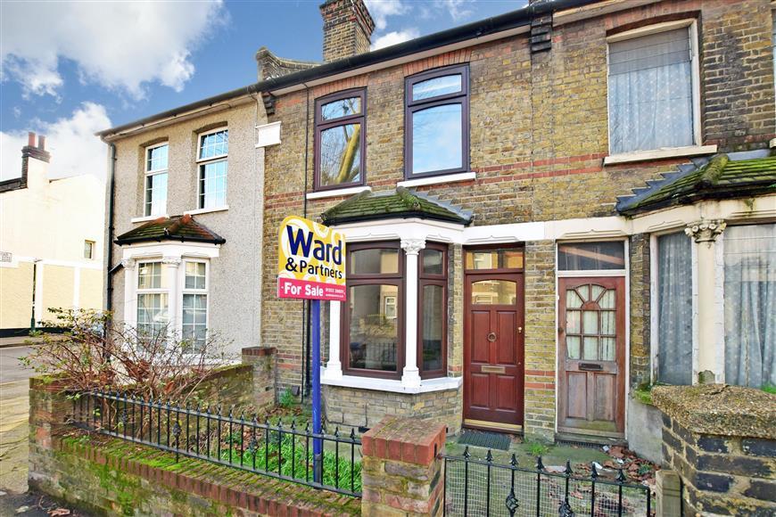 3 Bedrooms Terraced House for sale in Colney Road, Dartford, Kent