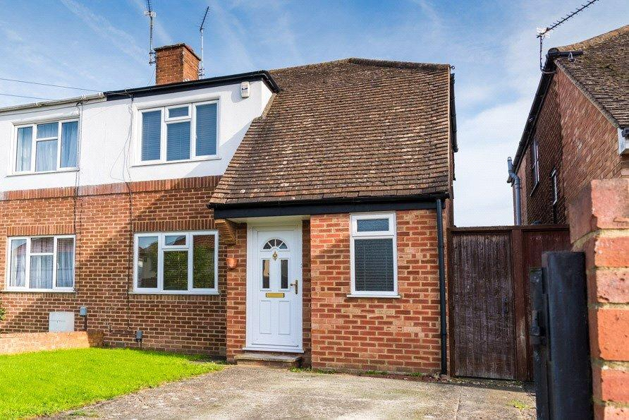 2 Bedrooms Semi Detached House for sale in Greenfields Road, Reading, Berkshire, RG2