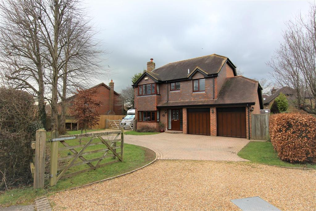 4 Bedrooms Detached House for sale in Malthouse Lane, Burgess Hill