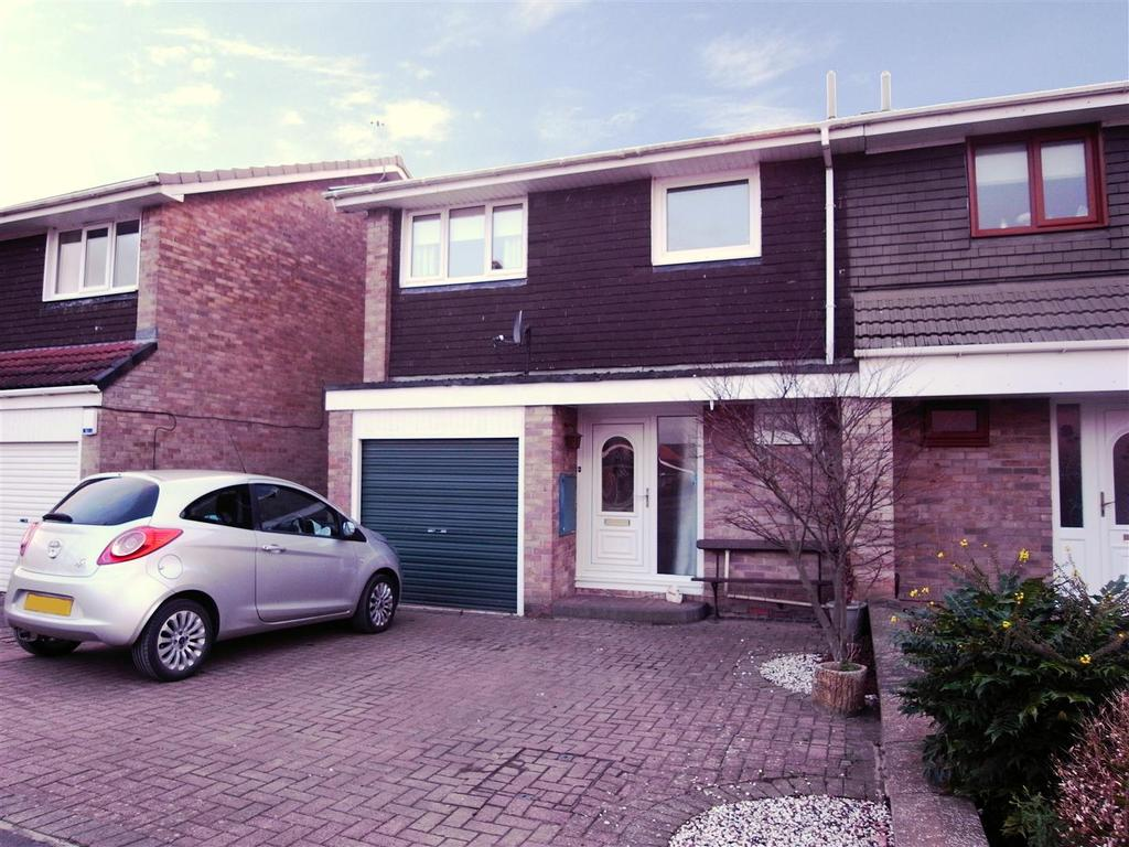 3 Bedrooms Semi Detached House for sale in Grendon Gardens, Middleton St George