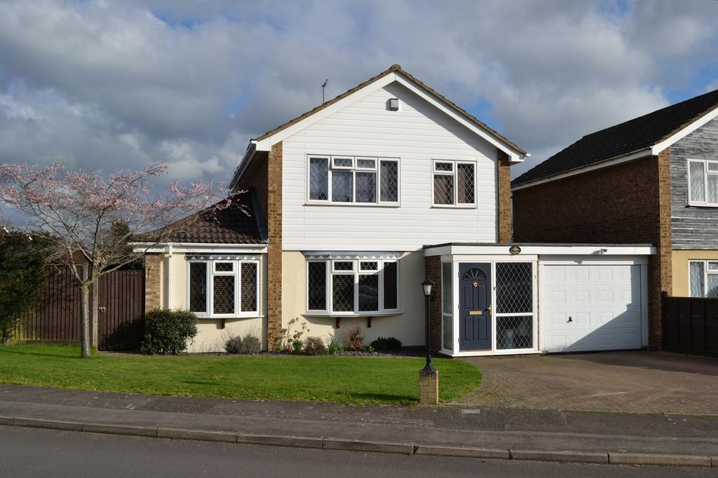 3 Bedrooms Link Detached House for sale in Loxwood, Earley, Reading, Berkshire, RG6 5QZ