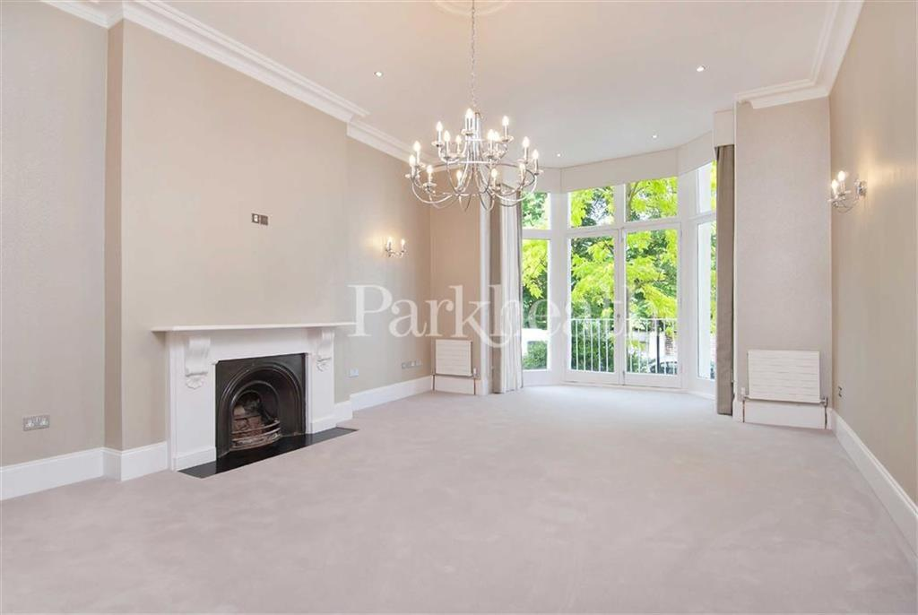 2 Bedrooms Flat for sale in Belsize Park Gardens, Belsize Park, London