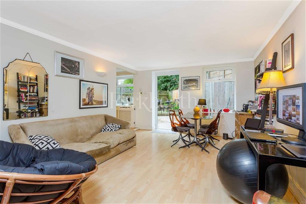 3 Bedrooms Flat for sale in Primrose Gardens, Belsize Park, London