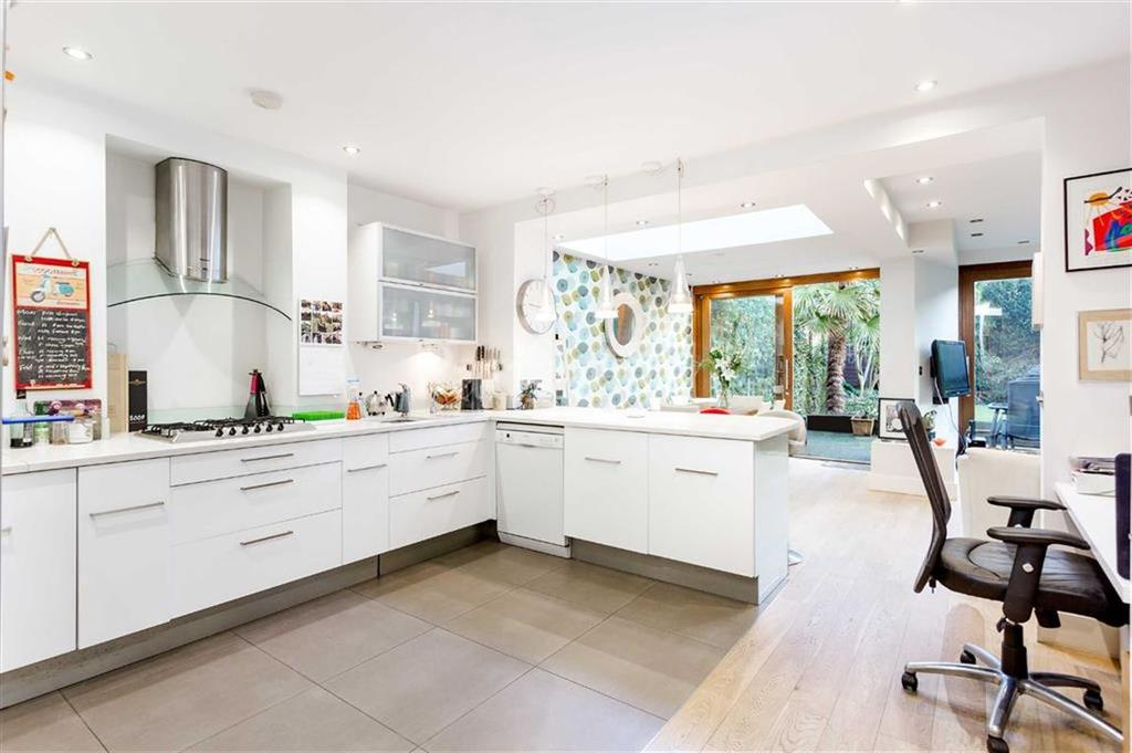 3 Bedrooms Flat for sale in Parkhill Road, Belsize Park, London