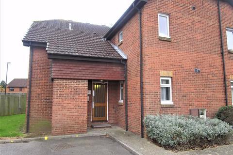 1 bedroom flat to rent - Braemar Gardens, Slough, Berkshire