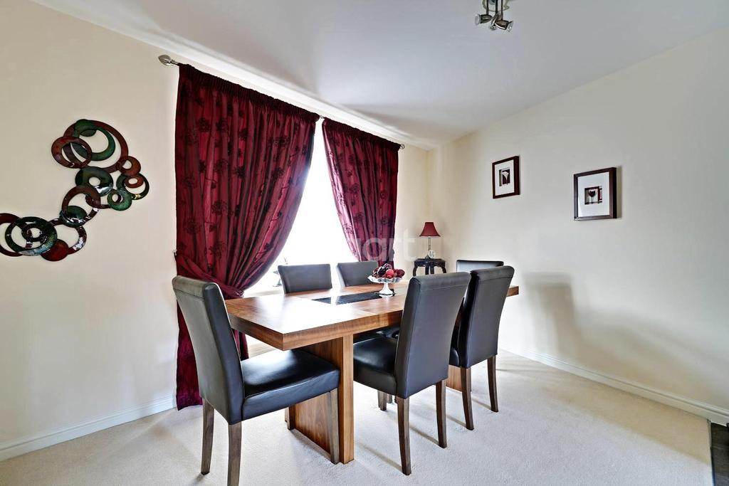 3 Bedrooms End Of Terrace House for sale in Havisham Drive, Swindon, Wiltshire